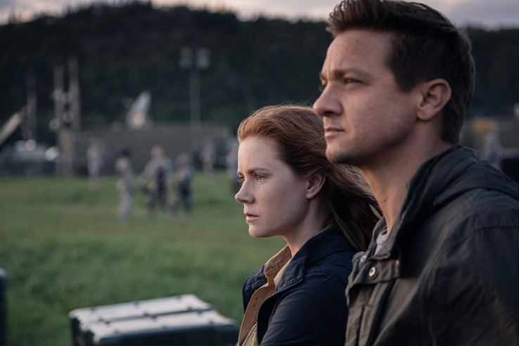 Louise and Ian contemplate things in Arrival