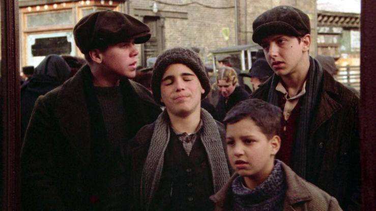 Four poor Jewish kids in 1920