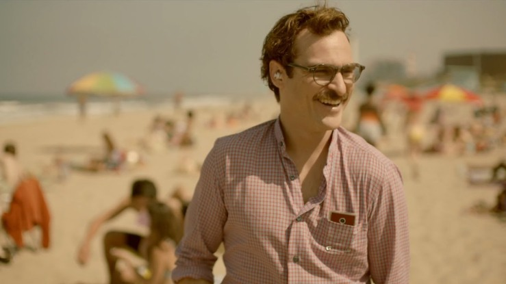 Theodore is on a beach, smiling, in Her (2013)