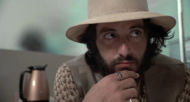 Frank Serpico is dressed casually in Serpico (1973)